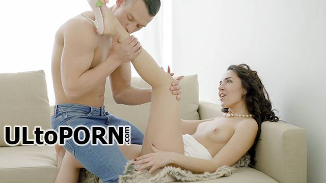 LustHD.com, TeamSkeet.com: Gianna - First Ever Anal Orgasm [264 MB / SD / 360p] (Anal) + Online
