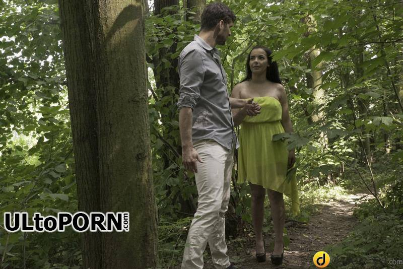 DaneJones.com, SexyHub.com: Sophia Laure - Outdoor sex in a summer dress [254 MB / SD / 480p] (Big Tits)