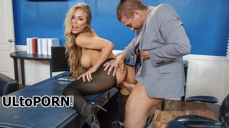 BigTitsAtWork.com, Brazzers.com: Nicole Aniston - Summertime And The Livin' Is Sleazy [1.19 GB / FullHD / 1080p] (Fetish)