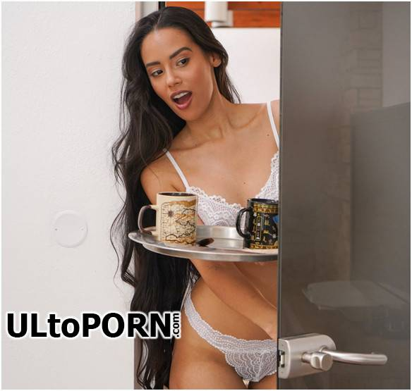 Andreina DeLuxe - Big butt Latina knows how to please [HD 720p] (542 MB) DaneJones