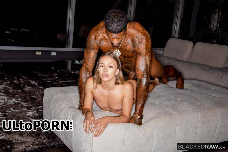 BlackedRaw.com: Naomi Swann - Blacked Swan [385 MB / SD / 360p] (Interracial)