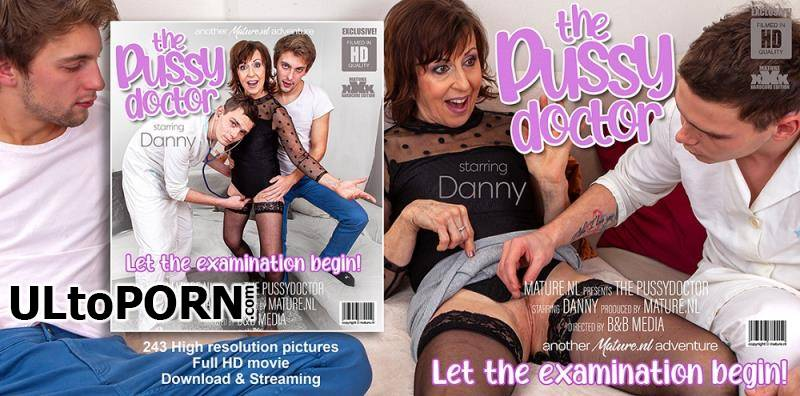 Mature.nl: Danny (65) - Mature Danny gets a visit from the toyboy pussydoctor for a threesome [1.77 GB / FullHD / 1080p] (Threesome)